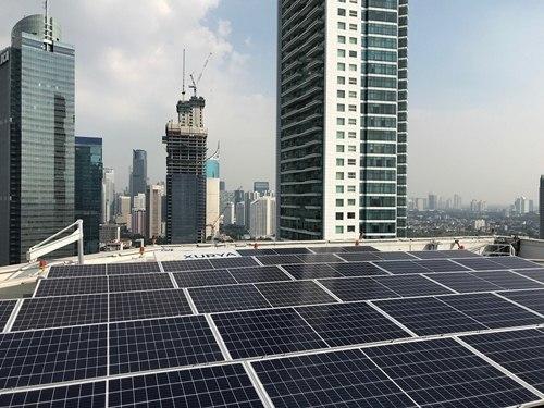 Điện mặt trời lắp đặt tại Khách sạn Grand Hyatt do SUNEMIT tham gia tư vấn