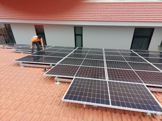 Dịch vụ lắp đặt hệ thống điện năng lượng mặt trời hòa lưới áp mái hộ gia đình và doanh nghiệp