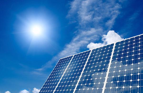 giá tấm pin năng lượng mặt trời