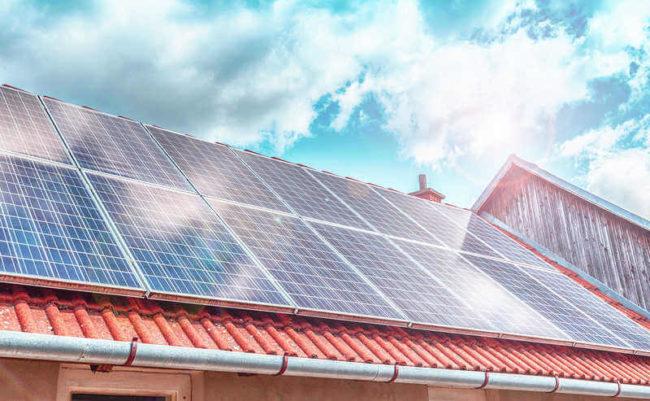 Hệ thống điện năng lượng mặt trời hòa lưới có lưu trữ (Hybrid)